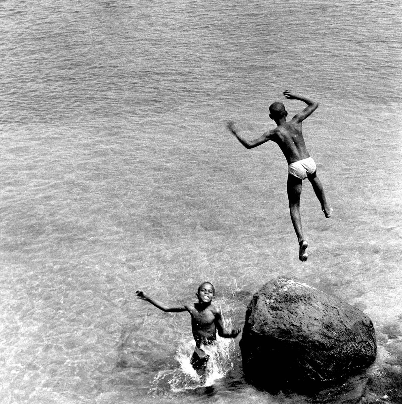 02 CV 2 enfants plongeon carre